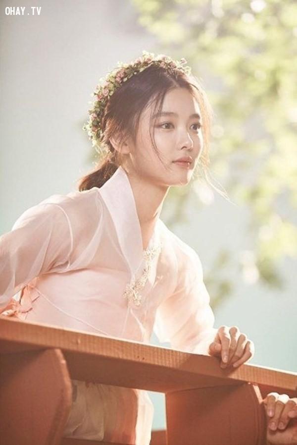 """sau đây là một vài hình ảnh của cô bạn trong """"Mây họa ánh trăng"""",mây họa ánh trăng,Yoo Jung"""