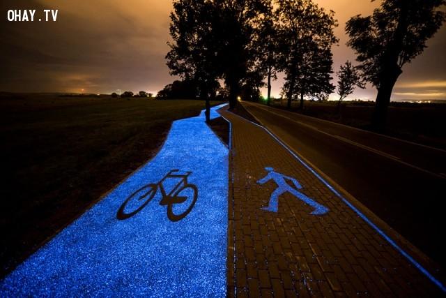 ,con đường phát sáng,năng lượng mặt trời,ba lan