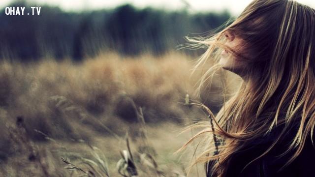 Hất tóc, khi không có gió thì hất tóc; khi có gió thì cứ để tóc bay~,mẹo chụp ảnh,tư thế chụp ảnh,tạo dáng chụp ảnh,cách chụp ảnh đẹp