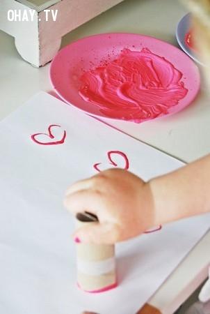 8. Dùng để vẽ hình yêu thích,lõi giấy vệ sinh,sáng tạo