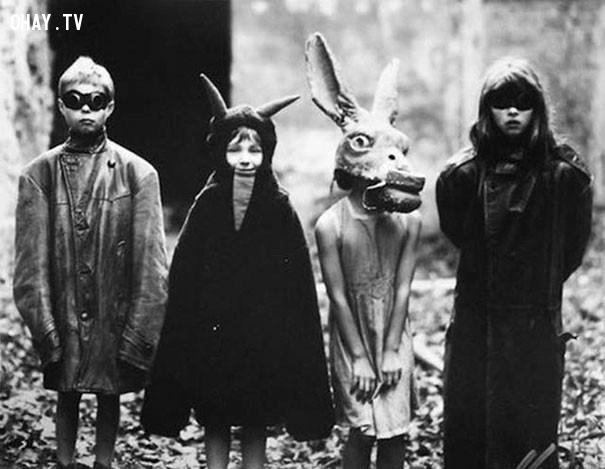 #7,ảnh đen trắng,vintage halloween,cảm giác ghê rợn,ảnh thời xưa