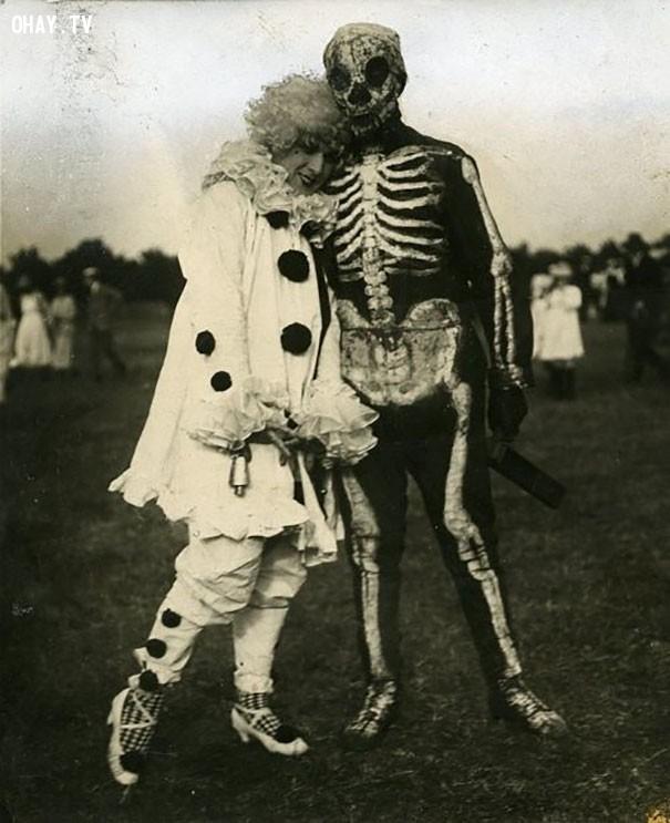#4,ảnh đen trắng,vintage halloween,cảm giác ghê rợn,ảnh thời xưa