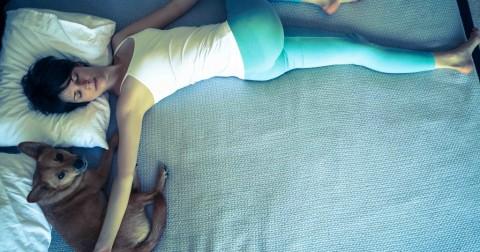 5 tư thế Yoga đơn giản giúp bạn có một giấc ngủ ngon