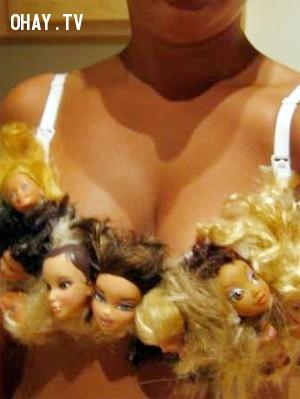 2. Dành cho những cô nàng cực kỳ khoái búp bê.,áo ngực độc đáo,áo ngực lạ