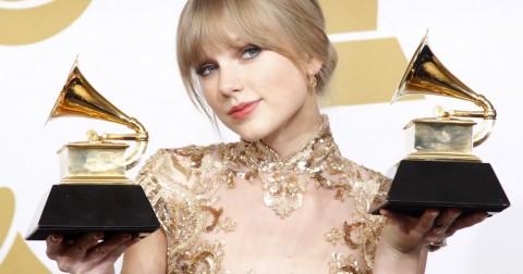 Nhìn lại 10 năm ca hát của Taylor Swift – 12 lý do khiến cô có bước nhảy thần tốc lên Top thế giới.