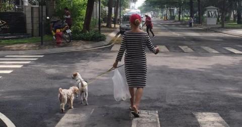 Câu chuyện và bức ảnh khiến nhiều người Việt thấy xấu hổ