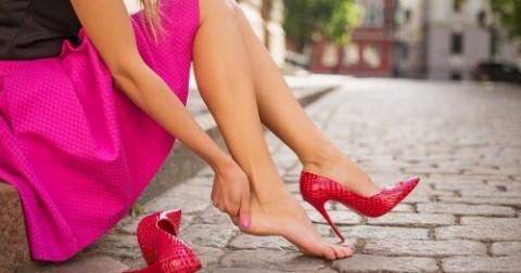 10 'bí kíp' tuyệt vời giúp bạn đi giày mới không bị đau chân