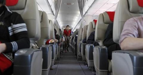 10 nơi bẩn nhất trên máy bay khiến bạn phải giật mình