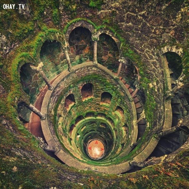 Giếng Khai tâm, Sintra, Bồ Đào Nha,nhà hoang,nơi bỏ hoang