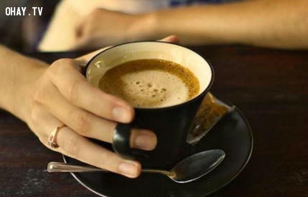 5. Uống cà phê,sai lầm phổ biến,thói quen sai lầm,thói quen xấu,giấc ngủ,thức dậy