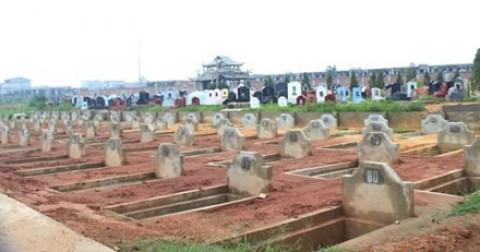Kì lạ những ngôi mộ được xây trước cho người còn sống