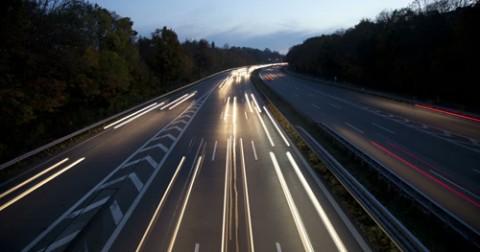 Tại sao đường cao tốc thường không có đèn?