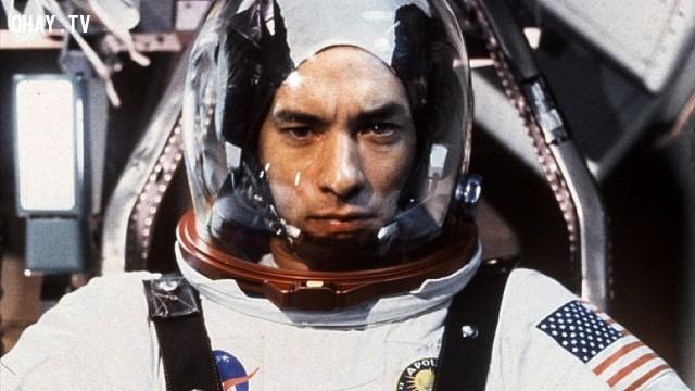 Trong không gian vũ trụ, những nhà du hành không thể khóc vì không trọng lực và vì thế nước mắt không thể chảy ra.,khoa học,funfact,những điều thú vị trong cuộc sống