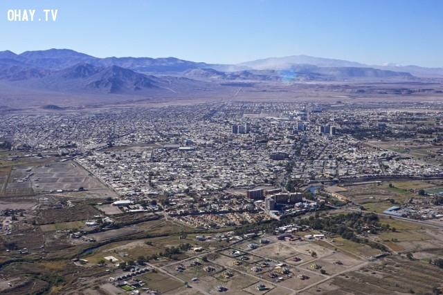 Tại thi trấn Calama thuộc vùng sa mạc Atacama, Chi lê, là vùng đất duy nhất trên thế giới từ trước đến nay chưa từng có mưa, và cũng được dự báo sẽ không bao giờ có mưa trong tương lai.,khoa học,funfact,những điều thú vị trong cuộc sống