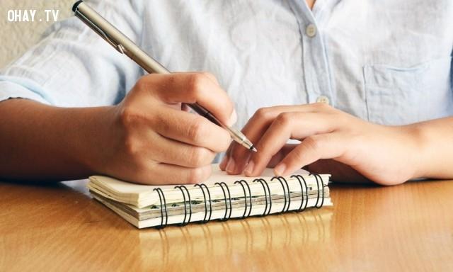 Trung bình mỗi năm có 100 người chết vì nuốt bút bi.,khoa học,funfact,những điều thú vị trong cuộc sống