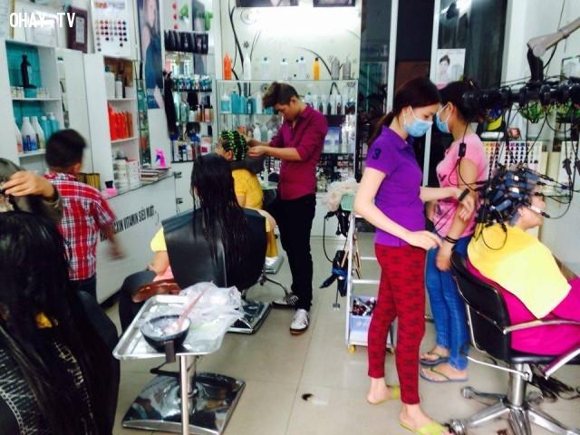 Cửa hàng cắt tóc, gội đầu vào dịp cuối năm,kiếm tiền,dịch vụ,cuối năm