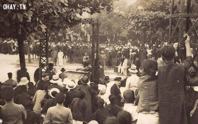 Xem xử chém phạm nhân bằng máy chém ở Hải Phòng năm 1890,Việt nam xưa,Việt Nam thế kỷ 18,Ảnh cổ Việt Nam