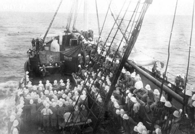 Đám liên quân Pháp - Tây Ban Nha trên tàu chiến tấn công Đà Nẵng năm 1859-1860,Việt nam xưa,Việt Nam thế kỷ 18,Ảnh cổ Việt Nam