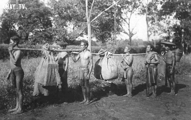 Vận chuyển cho bưu điện năm1890,Việt nam xưa,Việt Nam thế kỷ 18,Ảnh cổ Việt Nam