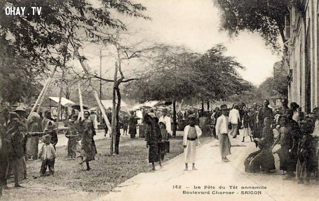Sài Gòn, người dân vui chơi Tết Nguyên đán (Canh Tý) - năm 1900, trên đại lộ Charner (Nguyễn Huệ).,Việt nam xưa,Việt Nam thế kỷ 18,Ảnh cổ Việt Nam