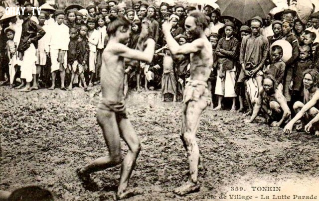 Đấu vật trong lễ hội làng, Hà Nội 1890,Việt nam xưa,Việt Nam thế kỷ 18,Ảnh cổ Việt Nam