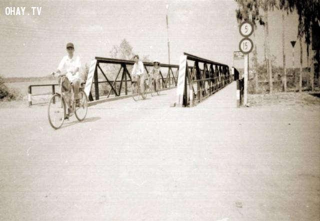 Bến phà Hàm Luông phía Mỏ Cày - những năm 1990,Bến Tre xưa,Xứ dừa,hình xưa,ảnh cổ,ảnh lịch sử