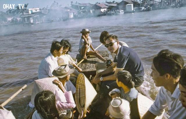 Đò ngang từ cồn ông đạo Dừa đi về phía bờ Kiến Hòa, 1969,Bến Tre xưa,Xứ dừa,hình xưa,ảnh cổ,ảnh lịch sử