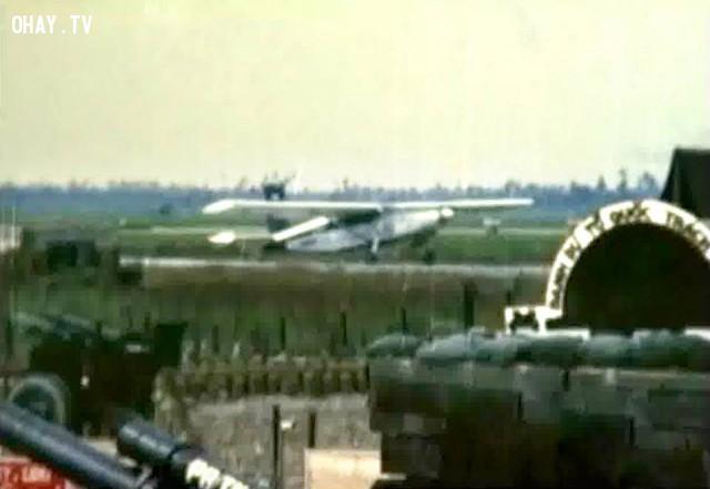 Trúc Giang Airfield (Sân bay Sơn Đông )1968 - máy bay trinh sát L19 cất cánh trên đường băng nhôm,Bến Tre xưa,Xứ dừa,hình xưa,ảnh cổ,ảnh lịch sử