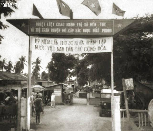 Bến phà Hàm Luông phía Mỏ Cày - 1975,Bến Tre xưa,Xứ dừa,hình xưa,ảnh cổ,ảnh lịch sử
