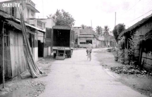 Qua cua quẹo này sẽ tới bến phà, trước mặt là nhà máy xay xát, 1990,Bến Tre xưa,Xứ dừa,hình xưa,ảnh cổ,ảnh lịch sử