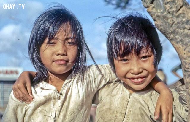 Nụ cười hồn nhiên trên bờ sông Tiền, 1969,Bến Tre xưa,Xứ dừa,hình xưa,ảnh cổ,ảnh lịch sử