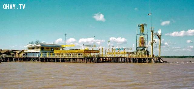 Khu vực điện nổi của ông đạo Dừa, cồn Tân Dinh năm 1967, là khu du lịch Cồn Phụng hiện nay,Bến Tre xưa,Xứ dừa,hình xưa,ảnh cổ,ảnh lịch sử