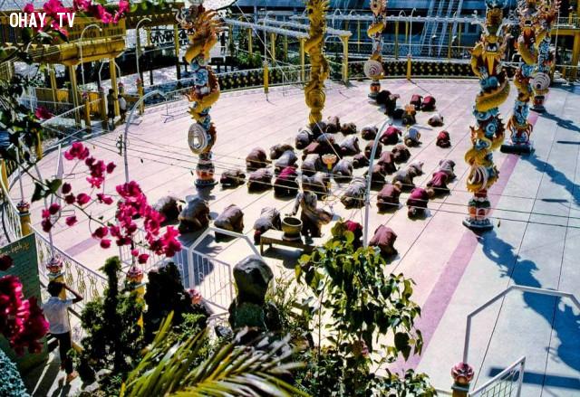 Thần dân của ông Nguyễn Thành Nam đang làm lễ năm 1969,Bến Tre xưa,Xứ dừa,hình xưa,ảnh cổ,ảnh lịch sử