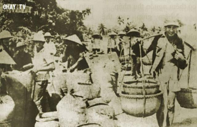 """""""Ngày hội"""" huy động lương thực năm 1987 tại Giồng Trôm,Bến Tre xưa,Xứ dừa,hình xưa,ảnh cổ,ảnh lịch sử"""