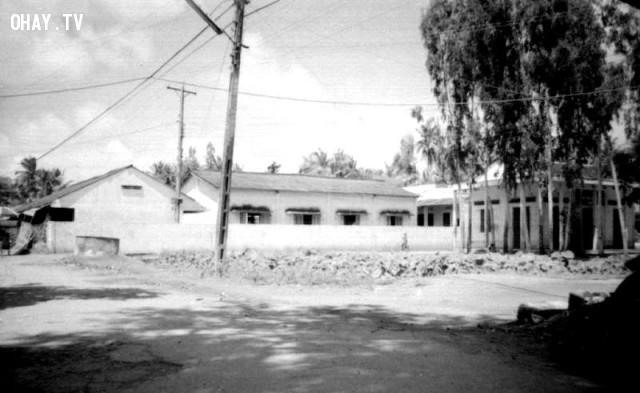 Đoạn gần trường Mỹ Hóa, hồ sen trước UBND phường 7 cũ và miếu Bà,Bến Tre xưa,Xứ dừa,hình xưa,ảnh cổ,ảnh lịch sử