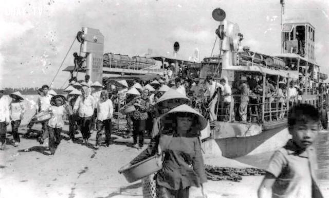 Phà đổ khách,Bến Tre xưa,Xứ dừa,hình xưa,ảnh cổ,ảnh lịch sử