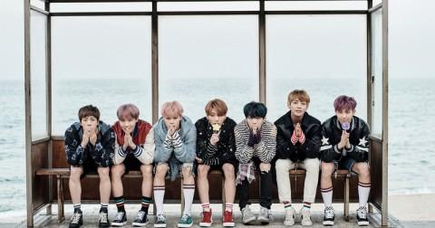 BTS chia sẻ nhiều ảnh với concept bãi biển 'You Never Walk Alone'