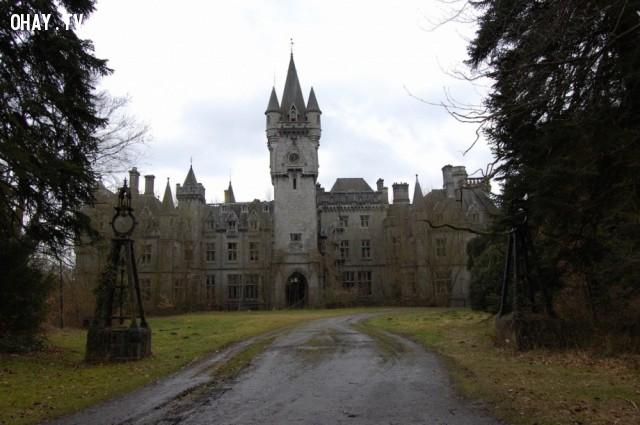 3. Lâu đài Miranda, Bỉ,địa điểm bí ẩn,địa điểm bị bỏ hoang