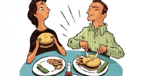 Tại sao nên ăn bằng tay chứ không phải bằng thìa hoặc đũa?