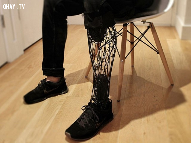 ,người khuyết tật,chân giả 3d