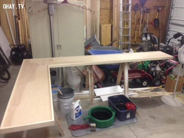 Còn đây là quầy bếp được làm từ gỗ bạch dương,thu thập nắp chai,quầy bếp,sáng tạo,epoxy ab