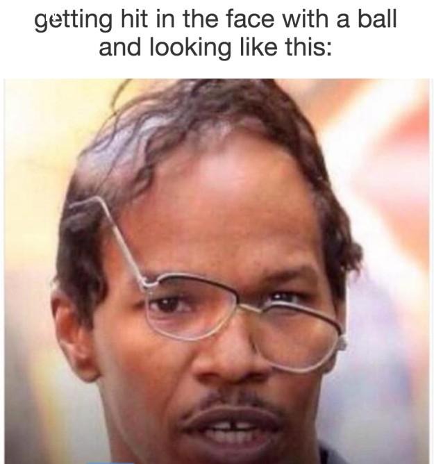Khi bạn bị bóng đập vào mặt,cận thị,nỗi khổ đeo kính