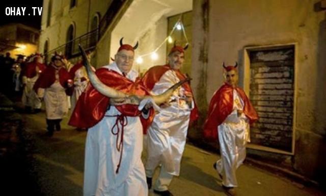 Lễ hội của những người đàn ông bị lừa dối - Italia,lễ hội,phong tục