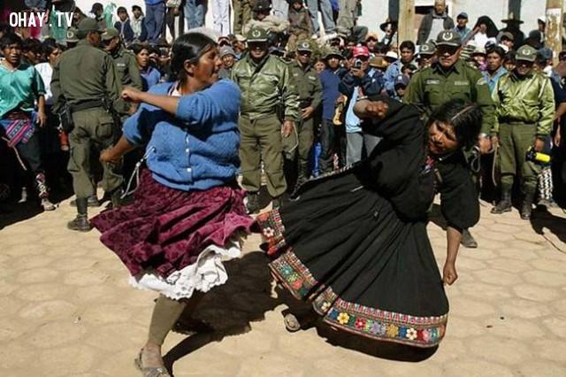 Đấm hàng xóm - Bolivia,lễ hội,phong tục