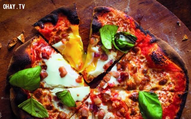 3. Chúng ta ăn bánh kem và pizza từ trong ra ngoài,những điều thú vị trong cuộc sống,có thể bạn chưa biết,facts