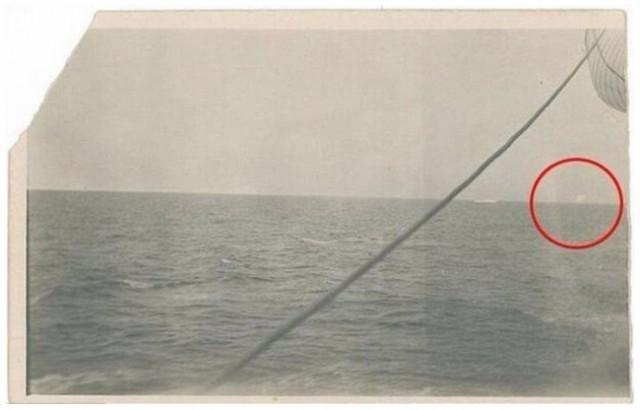11. Đây là bức ảnh chụp tảng băng mà tàu Titanic đã đâm phải,những điều thú vị trong cuộc sống,có thể bạn chưa biết,facts