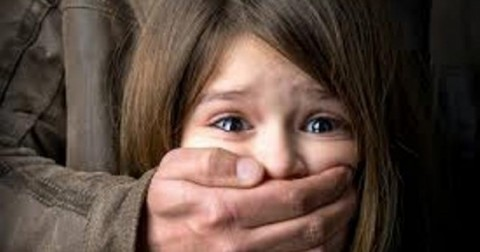 Những điều bố mẹ cần làm để bảo vệ con khỏi bị bắt cóc.