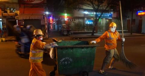 Tâm sự của một sinh viên đang làm công nhân vệ sinh