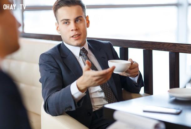 3. Sau khi đã tuyên bố vị thế của bạn trong một cuộc đàm phán, nếu bạn tiếp tục nói thì sẽ không có lợi cho bạn.,mẹo hay,thủ thuật tâm lý,thủ thuật giao tiếp,tâm lý học,nghệ thuật giao tiếp