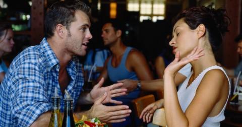 9 dấu hiệu cho thấy bạn đang trong một mối quan hệ độc hại